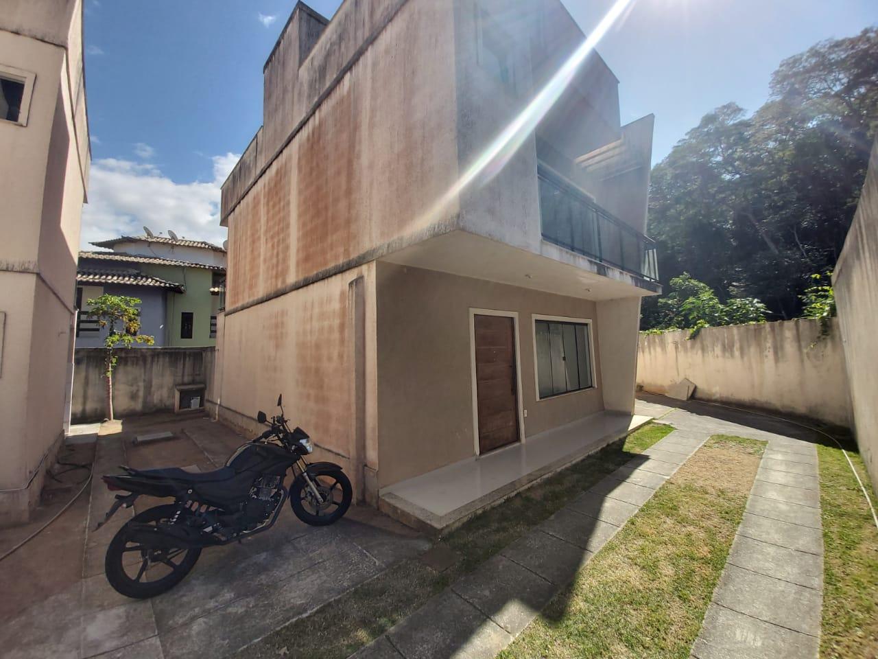 CASA DUPLEX COM 165M² EM RIO DAS OSTRAS