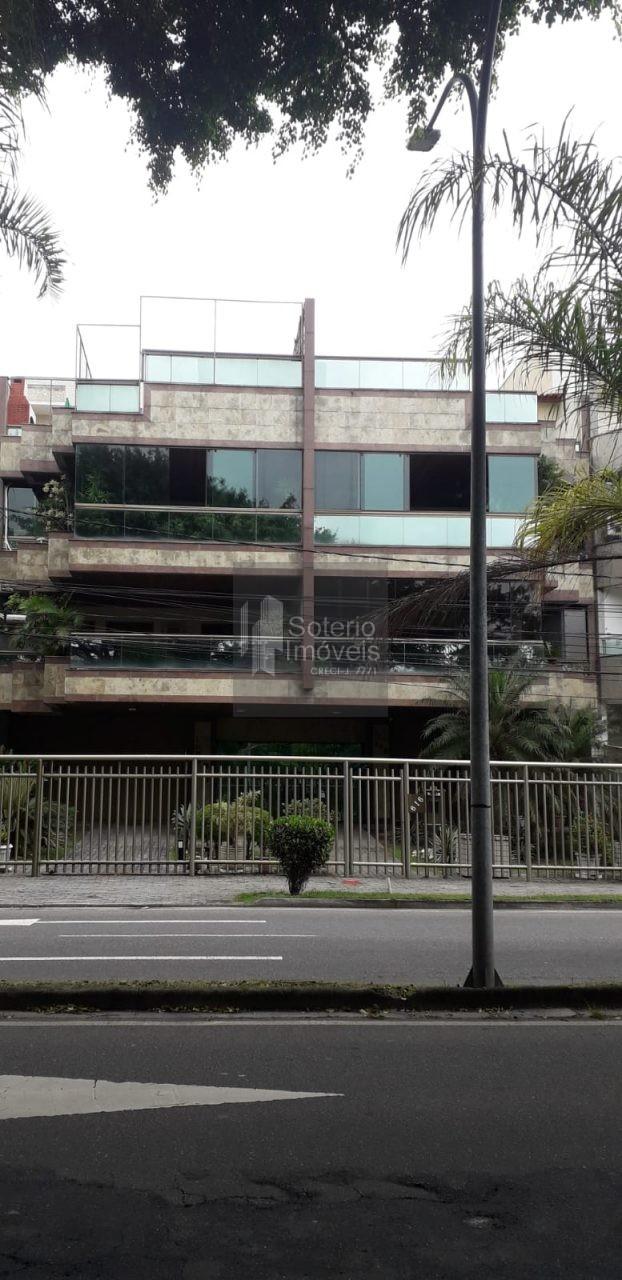 Apartamento de 114m² de 3 quartos no Recreio dos Bandeirantes.